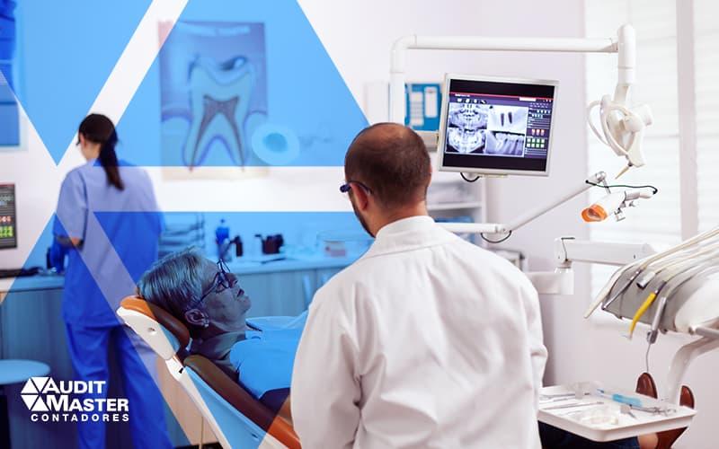 Folha de pagamento para clínicas médicas - Como elaborar?